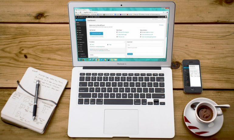 Jak postawić bloga na WordPressie: część I. Wybór serwera i domeny